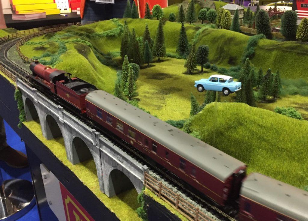 Hornby Hogwarts Express train
